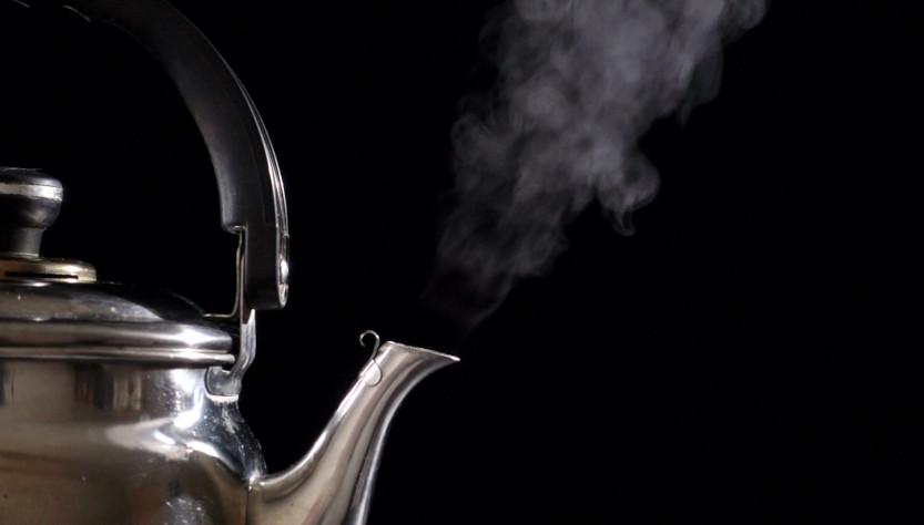 Odkamienianie czajnika i żelazka