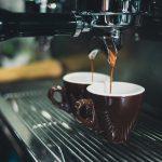 Jak wybrać ekspres do kawy do biura?